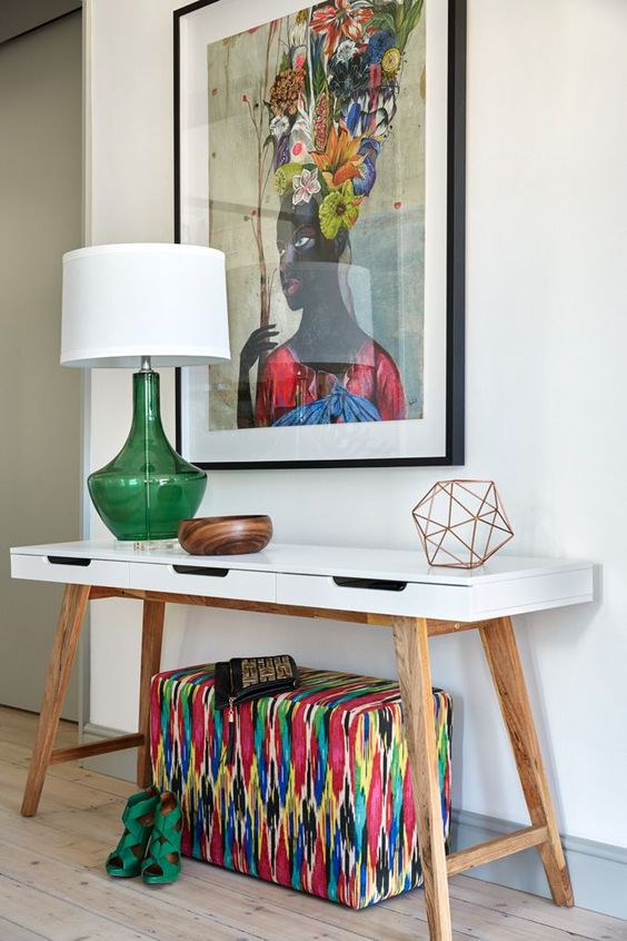 Fun and Artistic Entry Table